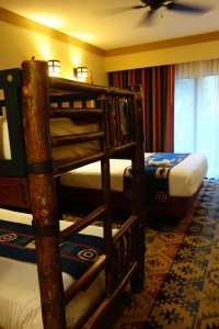 Disney's Wilderness Lodge Resort: Courtyard View with Bunk Bed – Room 1007